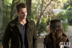 """""""Bachelorettes and Bullets"""" - Pictured (L-R): Justin Hartley as Jesse and Rachel Bilson as Dr. Zoe Hart in HART OF DIXIE on THE CW. Photo: Doug Hyun /The CW ©2012 The CW Network. All Rights Reserved."""