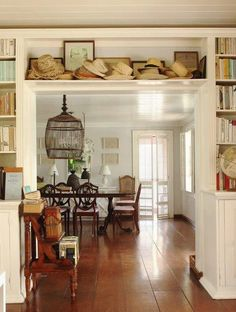 India Hick's Harbour Island home - oh that birdcage