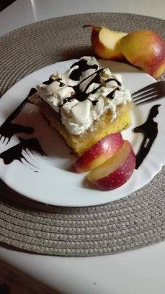 Ha van egy kis alma, mi finomabb készülhetne, mint az almás, habos kocka! - Egyszerű Gyors Receptek Pudding, Mint, Sweet, Pizza, Food, Candy, Custard Pudding, Essen, Puddings
