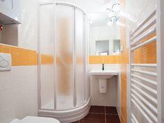 68+ Nejchladnejší z Koupelna 3M2 Bathtub, Curtains, Shower, Bathroom, Standing Bath, Rain Shower Heads, Washroom, Bathtubs, Blinds