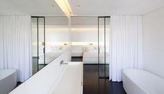 W Apartment / Pitsou Kedem Architect Bathroom Interior Design, Modern Interior, Interior Architecture, Interior Door, Design Bedroom, Bathroom Glass Wall, Master Bathroom, Tel Aviv, Modern White Bathroom