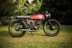 1976 Honda CG125 brat style, Build by Windchaser Motorcycle, Chiang Rai, Thailand