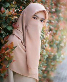 56 Ideas For Fashion Photography Women Beauty Eyes Fashion Show Makeup, Niqab Fashion, Muslim Fashion, Hijab Niqab, Muslim Hijab, Beautiful Muslim Women, Beautiful Hijab, Hijabi Girl, Girl Hijab