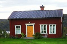 Swedish typical red house by Kristmar, via Flickr