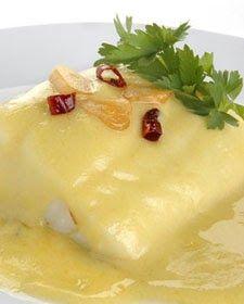 INGREDIENTES: - 800 g. lomos de bacao desalado. - 200 g. aceite de oliva virgen extra. - 150 g. agua. - 20-30 g. de ajos en lám... Spanish Cuisine, Spanish Food, Thermomix Desserts, Barbacoa, Savoury Cake, Perfect Food, Fish And Seafood, Sin Gluten, Fish Recipes