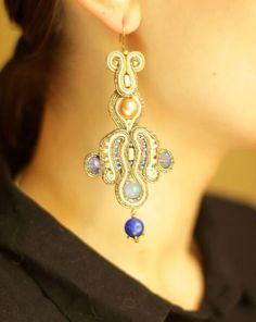 Сутаж серьги `Воздушный голубой` с натуральными камнями и жемчугом Сваровски