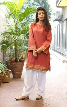 Stitching Styles Of Pakistani Dresses Orange Kurta Stitching Styles Of P Stylish Dresses For Girls, Stylish Dress Designs, Designs For Dresses, Simple Dresses, Casual Dresses, Trendy Outfits, Latest Pakistani Dresses, Pakistani Fashion Casual, Pakistani Outfits