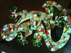 Mosaic work gecko multicolours glasses by LelucciolediPapi on Etsy, €75.00