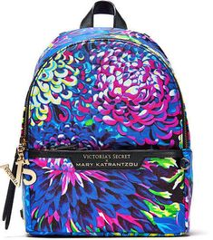 online shopping for Victoria's Secret backpack Mary Katrantzou Small City Designer collection fashion Show Floral Print from top store. See new offer for Victoria's Secret backpack Mary Katrantzou Small City Designer collection fashion Show Floral Print Small Backpack, Backpack Purse, Mini Backpack, Tote Bag, Victoria Secret Backpack, Victoria Secret Bags, Leather Briefcase, Black Cross Body Bag, Laptop Bag