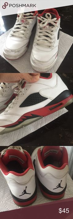 💯 authentic Air Jordan sneakers size 7 big boy Used but still good. Firm price. Needs a good cleaning Jordan Shoes Sneakers