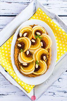 Piękny mazurek pomarańczowy na #wielkanoc - wbrew pozorom nie jest skomplikowany do przygotowania :D. #przepis #ciasto #wypieki Pineapple, Recipies, Fruit, Food, Recipes, Pine Apple, Hoods, Meals