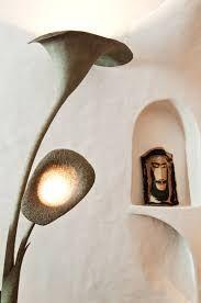 papier mache lamp - Google zoeken. Also loving on the niche in the background.