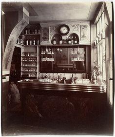Marchand de Vin, Rue Boyer, Paris  Eugène Atget  (French, Libourne 1857–1927 Paris)  Date: 1910–11