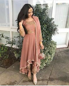 49 Ideas South Indian Bridal Lehenga Pakistani Dresses For 2019 Indian Wedding Outfits, Pakistani Outfits, Bridal Outfits, Indian Outfits, Bridal Dresses, Eid Outfits, Punjabi Wedding Suit, Punjabi Suits Party Wear, Indian Party Wear