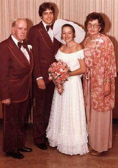 Worst Wedding Photos, Worst Wedding Dress, Vintage Wedding Photos, Vintage Weddings, Vintage Bridal, Wedding Pics, Wedding Attire, Wedding Styles, Wedding Gowns