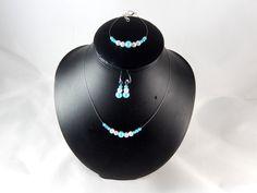 """Parure """"Lola"""" perles blanches et turquoise - personnalisable : Parure par creation-ninie"""
