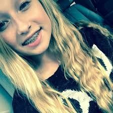Jenna arend seven super girls Cute Girls With Braces, Braces Girls, Seven Super Girls, Youtube Stars, Cute Girl Outfits, Girls Characters, Tumblr Girls, Celebs, Celebrities