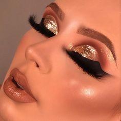 Make por Pri Lessa ❤ Sexy Makeup, Cute Makeup, Glam Makeup, Beauty Makeup, Eyebrow Makeup Tips, Eye Makeup Designs, Makeup Looks Tutorial, Beautiful Eye Makeup, Colorful Eye Makeup