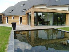 Bassin contemporain, maison bois : création Les Bojardins
