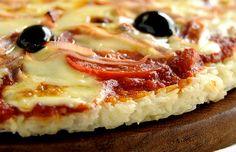 Pizza de inhame e sem glúten | Cura pela Natureza Dairy Free Recipes, Veggie Recipes, Vegetarian Recipes, Confort Food, Good Pizza, Delicious Vegan Recipes, Going Vegan, My Favorite Food, Good Food
