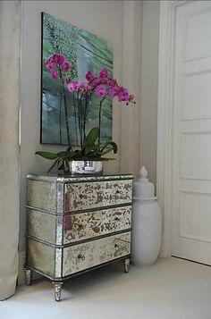 Vintage mirrored dresser.. I want a set like this sooo bad!