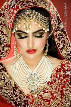 Bride of India. Indian Bridal Makeup, Asian Bridal, Bridal Makeup Images, Bridal Accessories, Bridal Jewelry, Desi Bride, Pakistani Bridal Wear, Exotic Beauties, Bride Makeup