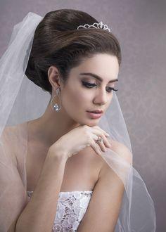 https://flic.kr/p/HPKT5U | bride | Model: Isabela Laiola Hair and Makeup: Cíntia Mattos Photo and edit: Luis Marcelo Zanlucki