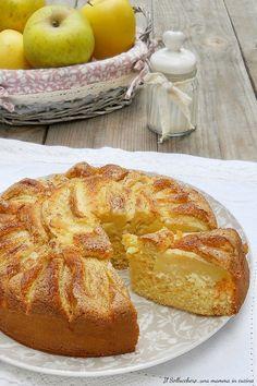 TORTA DI MELE E PANNA, una nuvola! Si prepara in 5 minuti e non arriva al giorno dopo. Sofficissima! #torta #mele #panna #soffice #cake #apple #applepie #gialloblogs #ricette #recipes