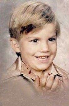 [BORN] Ashton Kutcher / Born: Christopher Ashton Kutcher, February 7, 1978 in Cedar Rapids, Iowa, USA #actor