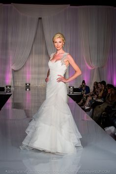 Hayley Paige at Bridal Expo Chicago