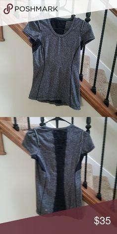Lululemon shirt Lululemon lululemon athletica Tops Tees - Short Sleeve