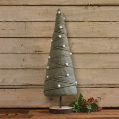 Metal Christmas Tree, Tabletop Christmas Tree, Cabin Christmas, Christmas Hat, Holiday Tables, Christmas Crafts, Fabric Christmas Trees, Christmas Stuff, Christmas Ideas
