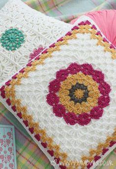 Diseños de cojines by Nu2 crochet Perú #997047739