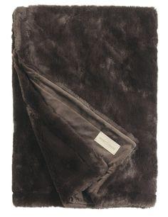 Plaids  http://www.vanmartin.nl/product-categorie/accessoires/plaids-bont/