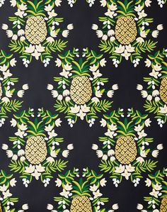 Love the patterned whallpaper in the bathroom (I wouldn't do pineapples, but they're still cute!)