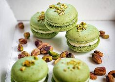 French Desserts, French Food, Pistachio Macarons, Cupcakes, Healthy Cake, Macaroons, Minis, Cheesecake, Muffin