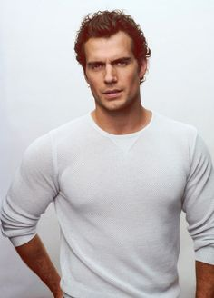 Move over Ryan Gosling, there's a new crush in town! Henry Cavill [Man of Steel]
