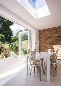 70 Awesome Roof Lantern Extension Ideas - The Urban Interior Kitchen Diner Extension, Open Plan Kitchen, Style At Home, Glass Extension, Extension Ideas, Bifold Doors Extension, White Bifold Doors, Bi Fold Doors, Bifold Doors Onto Patio
