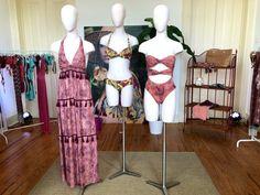 As tendências da Moda Verão 2018 - Beachwear. Biquinis e Maiôs com recortes e cores mais sobrias na coleção da Women'secret.