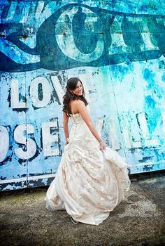 Beautiful bride at Legacy Farms |maineventpro.com|