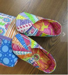 1000+ images about quilting snappy slippers on Pinterest Travel bags, Slippers and Cool cats