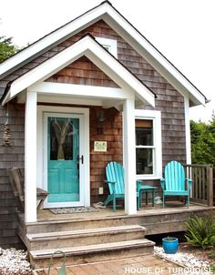 House of Turquoise: Turquoise Tour of Seabrook, Washington. Such a sweet cottage! Cottage Rental, Beach Cottage Rentals, Small Cottages, Dream Beach Houses, Beach Bungalows, Beach Cottage Style, Beach Shack, Beach House Decor, House Exterior