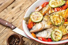 Fish Recipe: Tasty Grilled Perch - Perch are fun to catch through the ice and make for great eating at the end of the day. This wonderful grilled perch recipe is a wonderful dish for every occasion. Perch Recipes, Fish Recipes, Great Recipes, Easy Dinner Recipes, Easy Meals, Wild Game Recipes, Grilled Fish, Grilled Salmon, Hunts Recipe