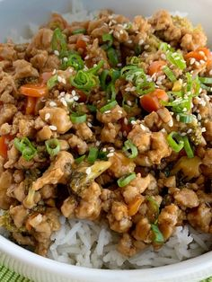 Teriyaki chicken rice bowls are a 30 minute dinner. Ground chicken, broccoli, and carrots simmer on the stove top in a delicious and simple teriyaki sauce. Teriyaki Chicken Rice Bowl, Teriyaki Chicken And Rice, Chicken Rice Bowls, Chicken Broccoli, Healthy Sandwich Recipes, Baby Food Recipes, Dinner Recipes, Meat Recipes, Healthy Foods
