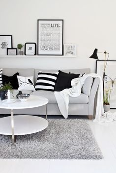 love this black & white and gray living room set! Cute for the office/spare bedroom combo!