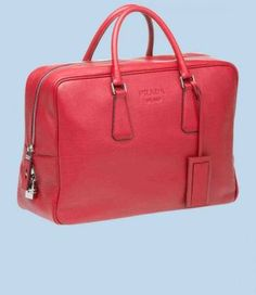 Prada mens grained pink calf leather travel bag...ES TAN GENIAL QUE PODRIA MORIR!!!