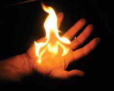 Masih ingat Pyro, salah satu tokoh di film X-men yang bisa mengeluarkan api? Kisah rekaan itu rupanya ada di dunia nyata.Tapi kalau yang sat...