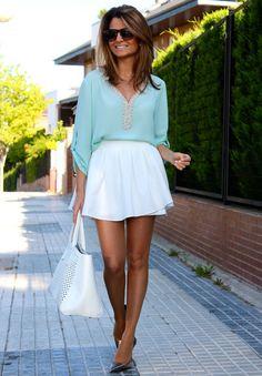 Fashion and Style Blog / Blog de Moda . Post: My New Blouse / Mi Nueva Blusa! .More pictures on/ Más fotos en : http://www.ohmylooks.com/?p=23305 .Llevo/I wear: Skirt/pant / Falda-pantalón : Oh My Looks Shop (info@ohmylooks.com) ; Blouse/Blusa : Limoneta ; Bag/Bolso : Furla ; Sunglasses / Gafas de sol : Mango ; Shoes/ Zapatos : Jessica Simpson