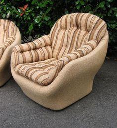 Pod style chair