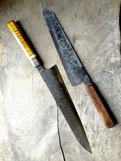 Bryan Raquin Cool Knives, Knives And Tools, Knives And Swords, Kitchen Cutlery, Kitchen Knives, Shun Cutlery, Shun Knives, Knife Party, Knife Patterns